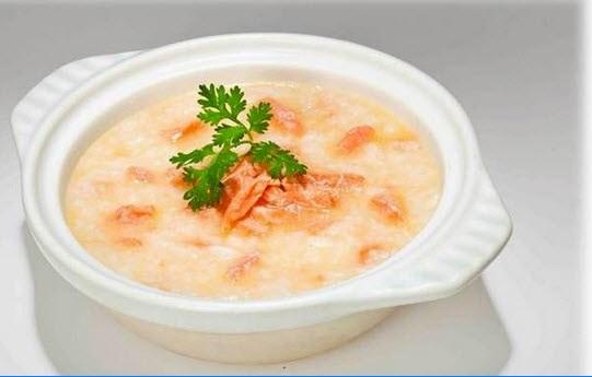 cách làm súp cá hồi bí đỏ