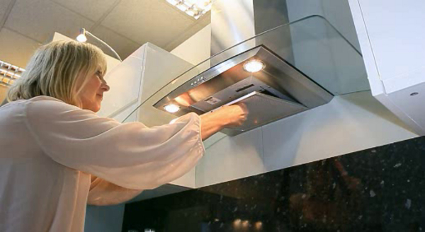 lưu ý để vệ sinh máy hút mùi đúng cách