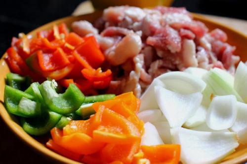 nguyên liệu làm món thịt heo xiên nướng rau củ