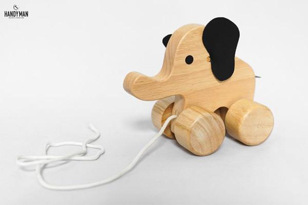 Con voi gỗ xinh xắn